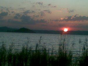 Il Lago di Bolsena, sponda Montefiascone al tramonto