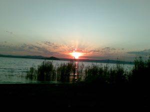 Un bellissimo tramonto al Lago di Bolsena
